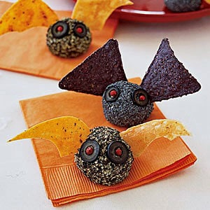 Halloween party food ideas from www.babysavers.com!