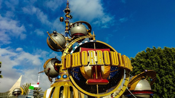disneyland tomorrowland sign