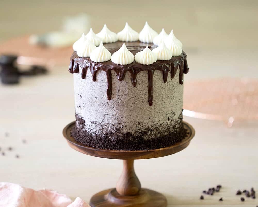 how to make a drip cake - cookies and cream