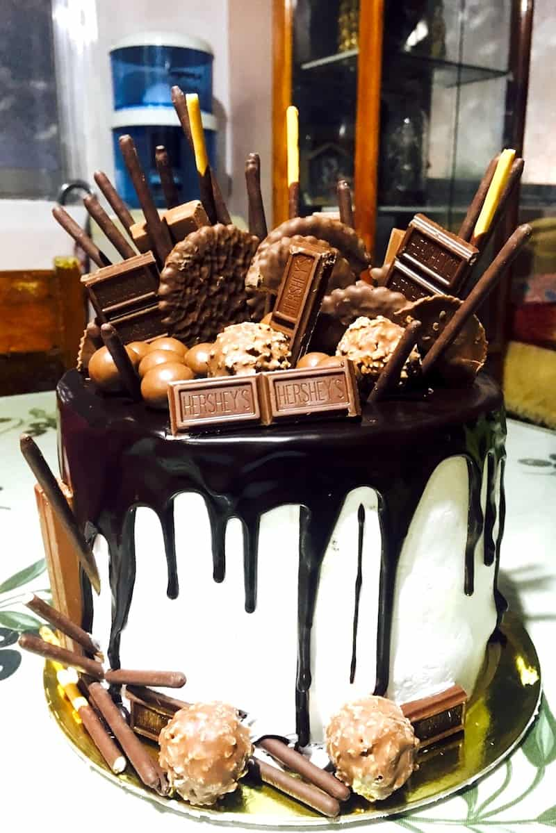how to make a drip cake with candy bars