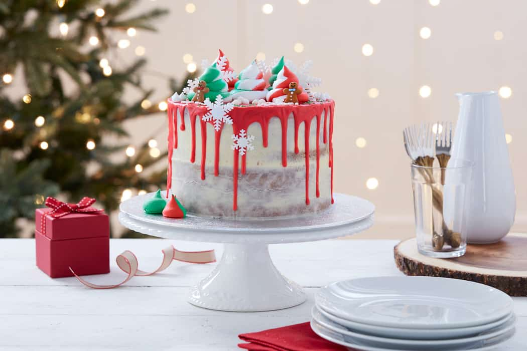 how to make a drip cake for Christmas