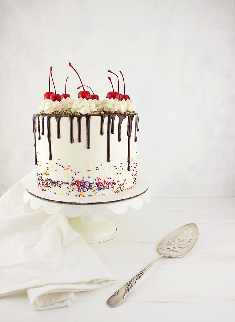 how to make a fudge sundae drip cake