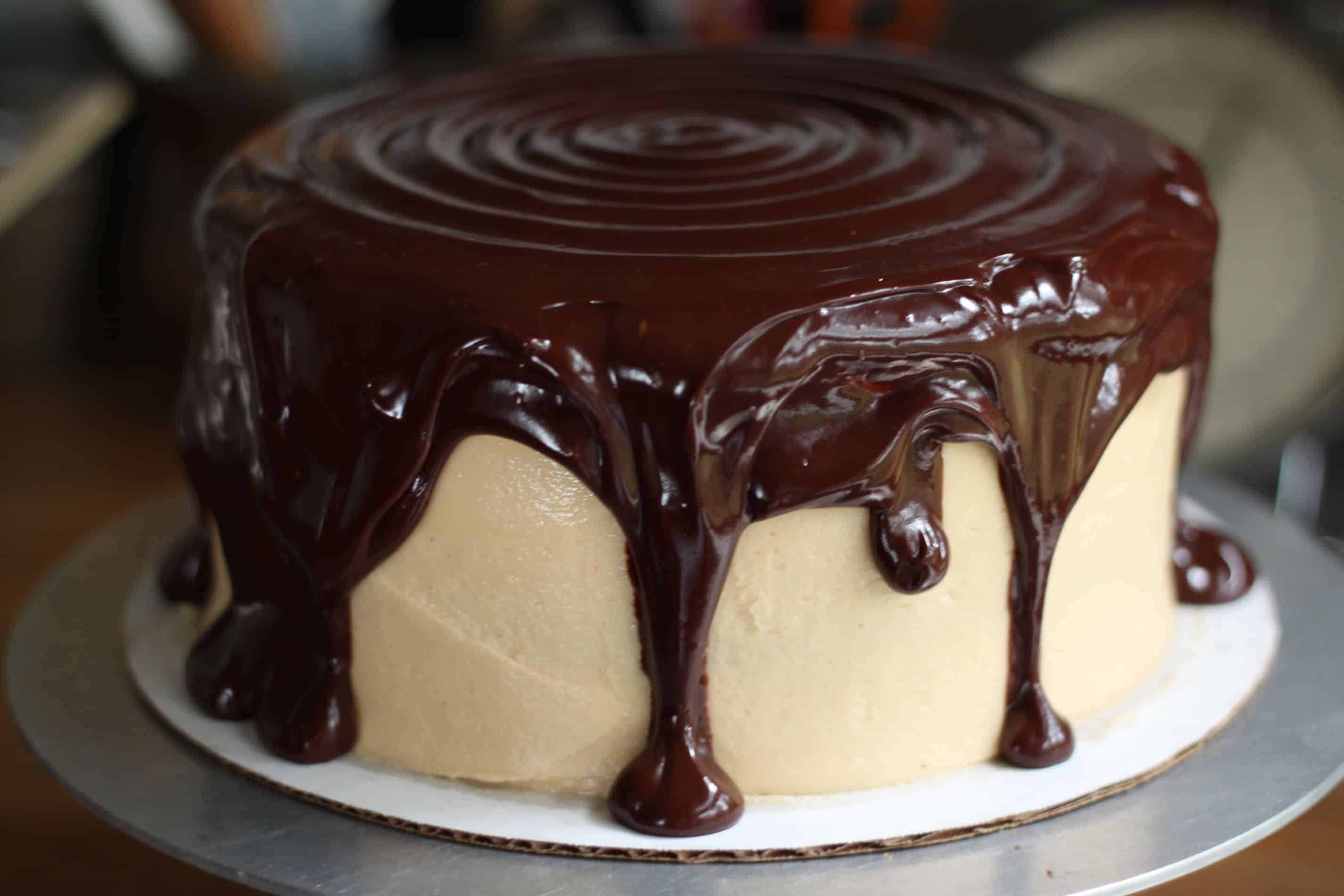 how to make a peanut butter fudge drip cake