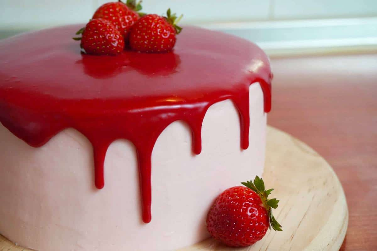 how to make a red velvet drip cake