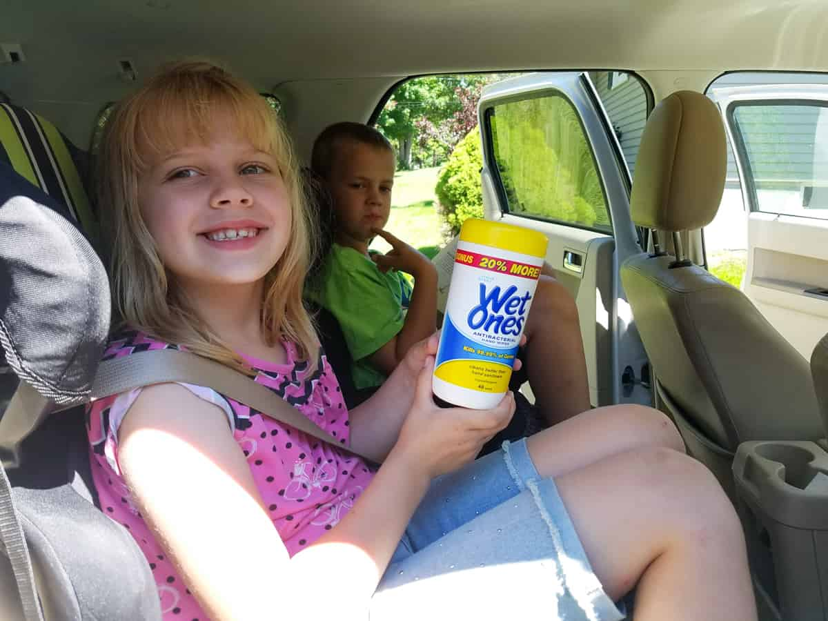 how to keep kids clean during a road trip