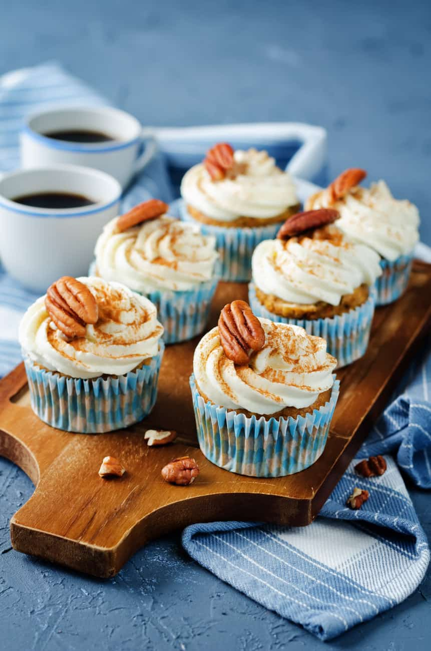 carrot cupcake recipe with cream cheese frosting and pecans