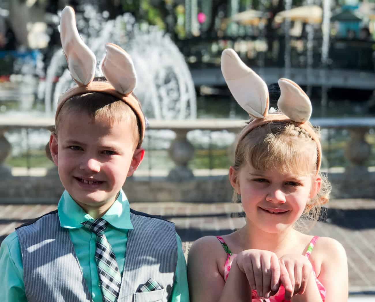 two kids at Peter Rabbit movie premiere