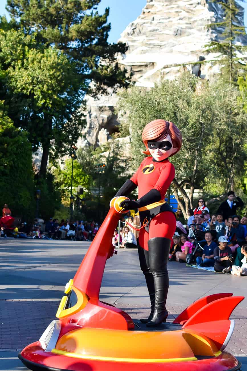 Pixarfest parade mrs incredible