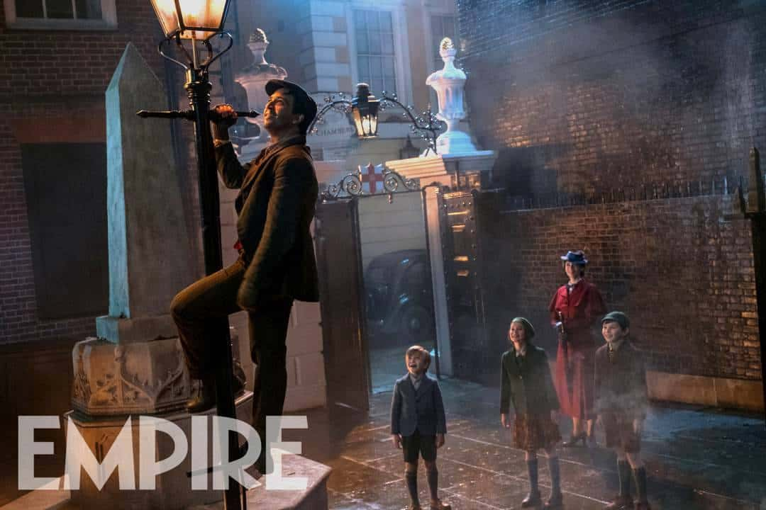 lin manuel miranda in mary poppins returns exclusive Lamp Lighter