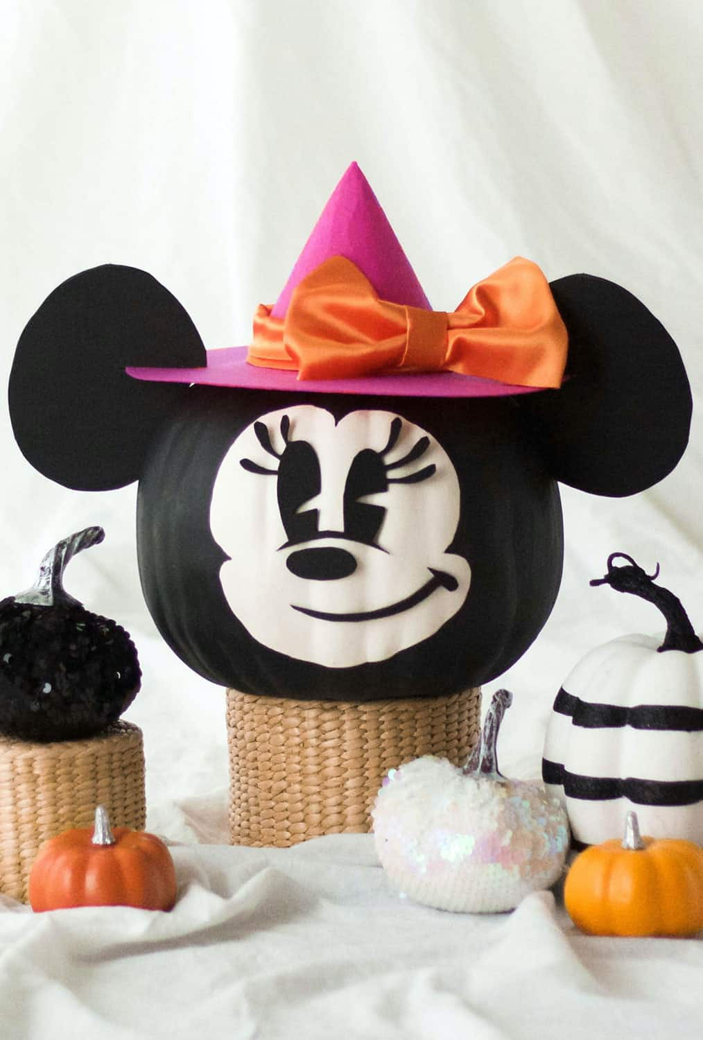 Minnie Mouse witch pumpkin idewa