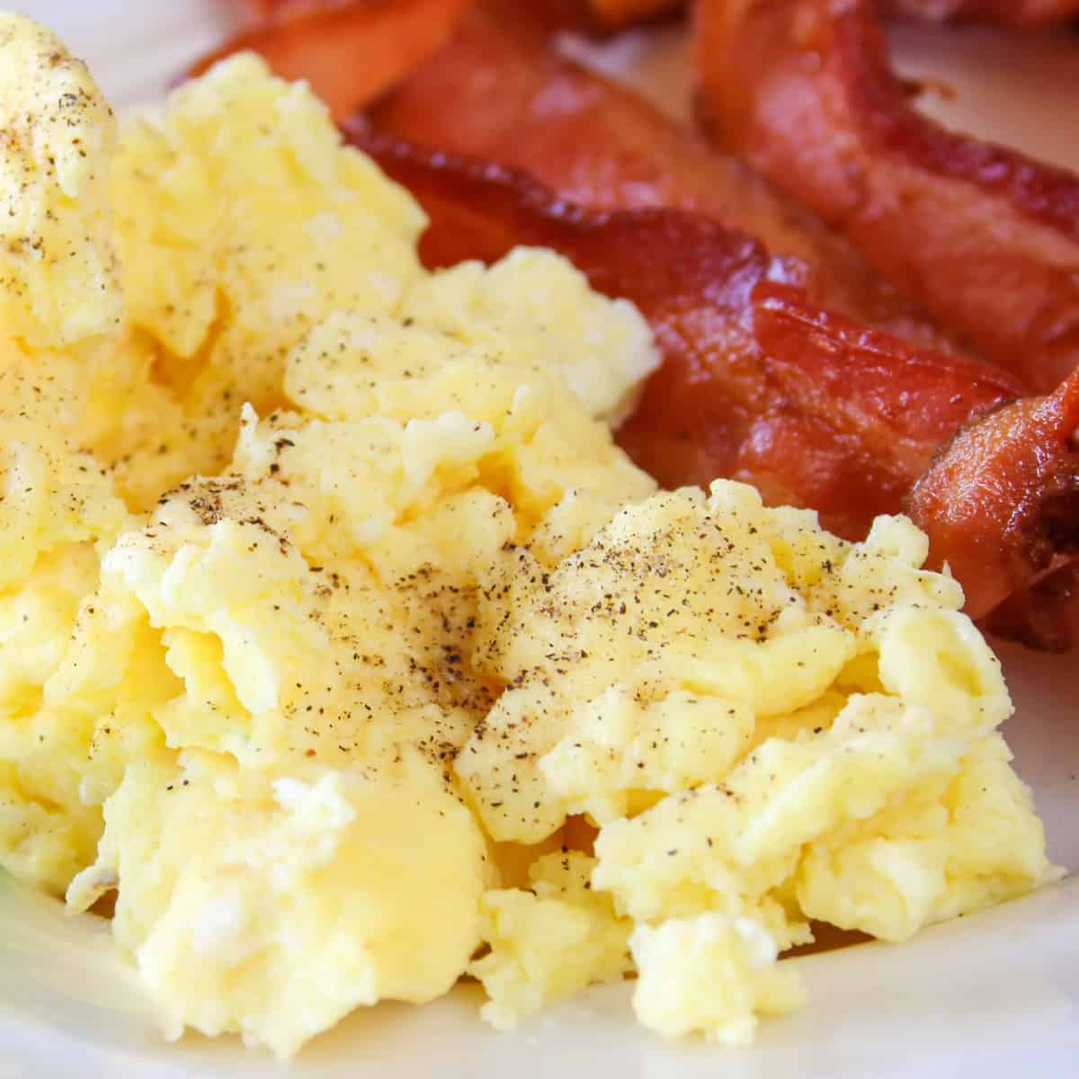 cream cheese scrambled eggs with bacon