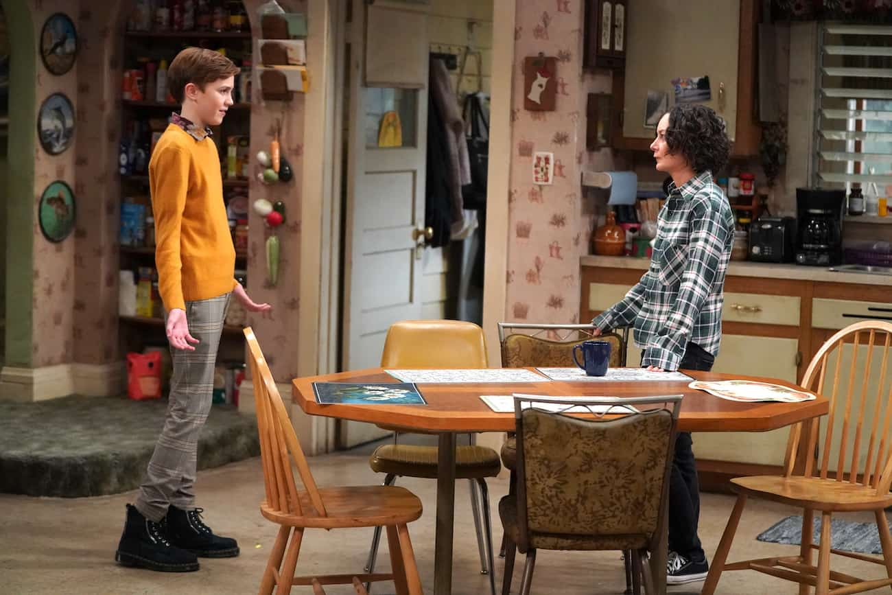 Mark on The Conners with Darlene - Ames McNamera and Sara Gilbert
