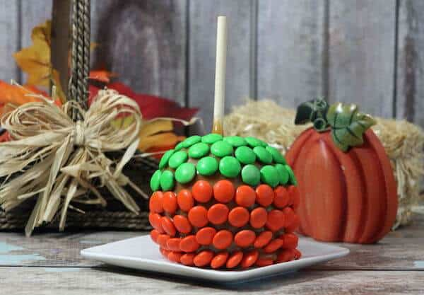 hand dipped decorated caramel apples