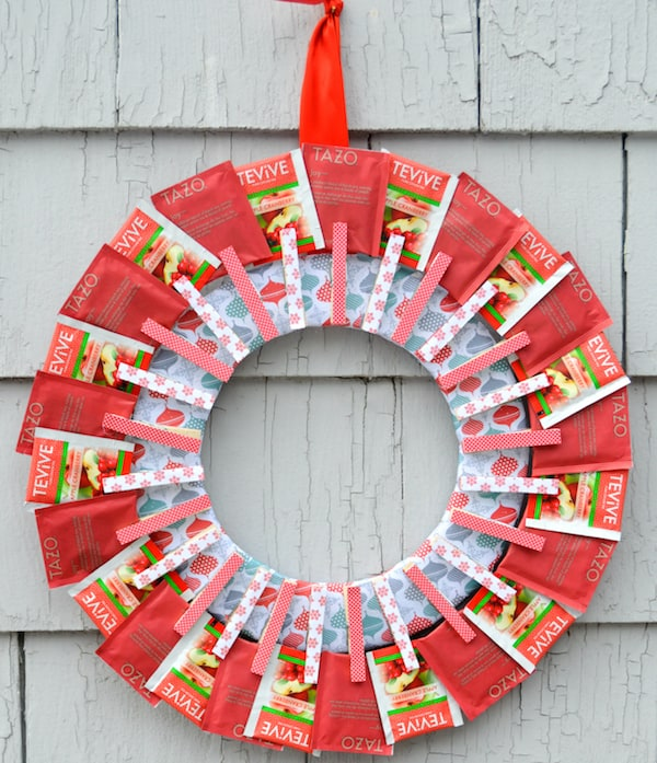 how to make a tea bag wreath